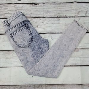 Acid-Washed Jeans from Delias